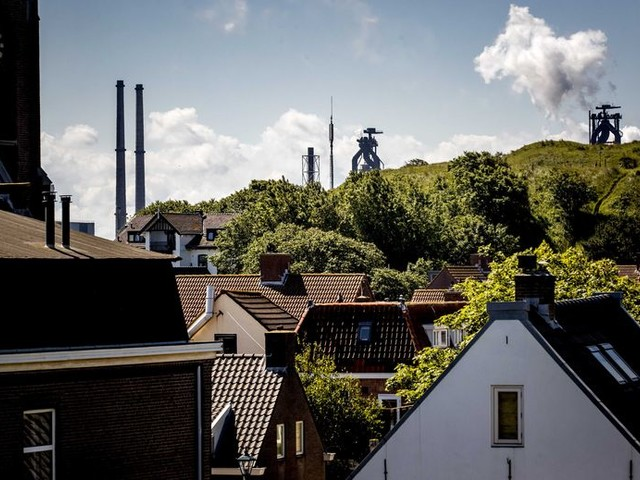Opluchting in Wijk aan Zee: OM wil Tata Steel vervolgen voor overtreden milieuregels