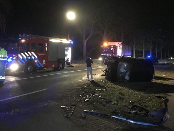 N736 bij Rossum dicht na botsing auto's (UPDATE)