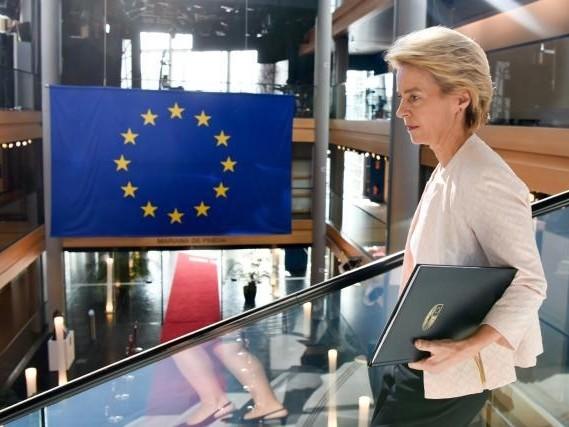 Von der Leyen zal Roemenië en Hongarije nieuwe kandidaten vragen