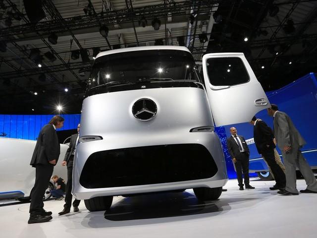 Tesla's eerste e-truck heeft al concurrenten