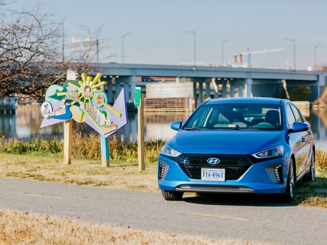 Hyundai donates the 2018 Ioniq Hybrid to the National Park Service
