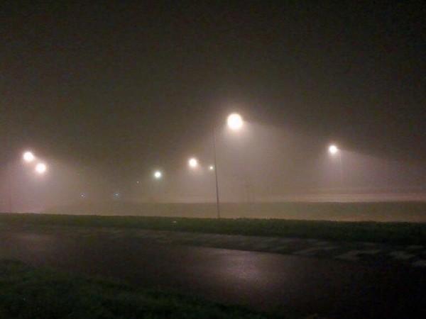 KNMI waarschuwt voor lokaal dichte mist en gladde wegen