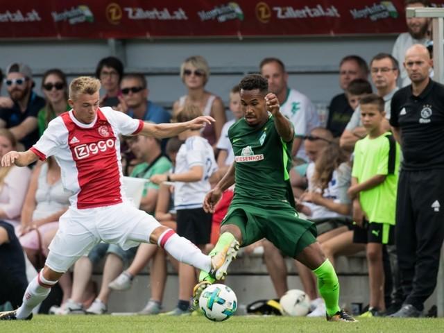 Sinkgraven maakt weer minuten in Ajax-shirt