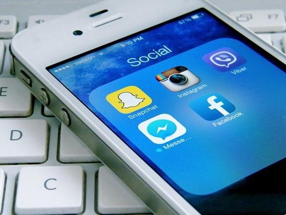 Gemeentes helpen je het best op Twitter, Facebook blijft achter