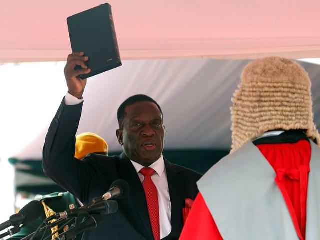 Emmerson Mnangagwa geïnstalleerd als nieuwe president van Zimbabwe