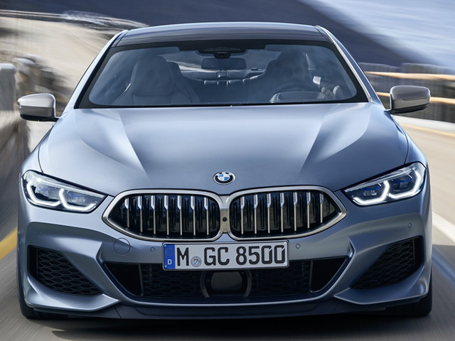 Photo Comparison: BMW 8 Series Gran Coupe vs Mercedes-AMG GT 4-Door