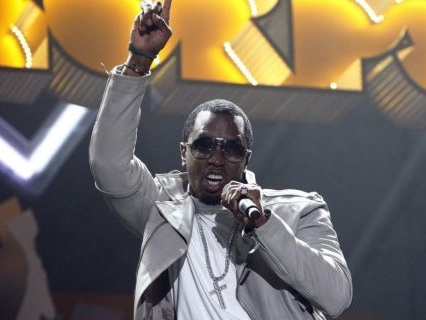 All About The Benjamins: Diddy Hands Out Dolla, Dolla Bills Outside Of Magic City In Atlanta [Video]
