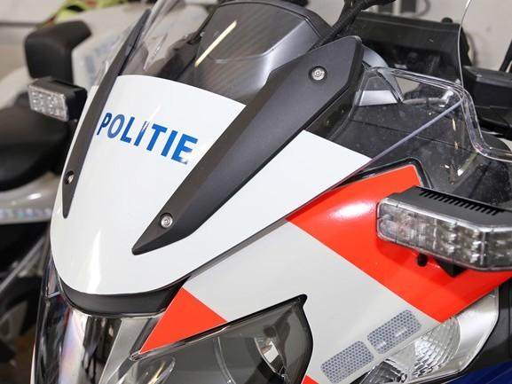 Tilburgse jongeren proberen agent van zijn motor te trappen tijdens achtervolging