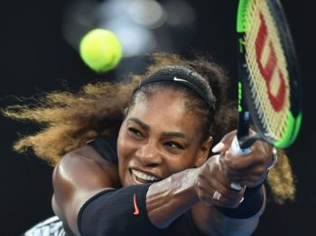Serena Williams verliest bij rentree na zwangerschap