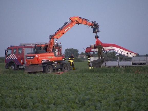 Vliegtuigjes geborgen na crash bij Oudemolen