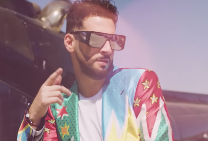 """Press Play: Take In The Sultry Sounds Of Iconic Caucasian Crooner Jon B On His New Single """"Priceless"""" [Video]"""