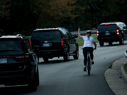 Woman Who Flipped Off Piss Poor POTUS Gets Fired—But Says She Doesn't Regret It