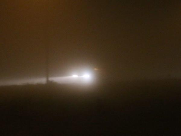 Ook vanavond kans op dichte mist en gladheid, KNMI geeft code geel af