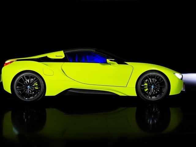 BMW i8 Roadster LimeLight Edition – Stunning Custom Work