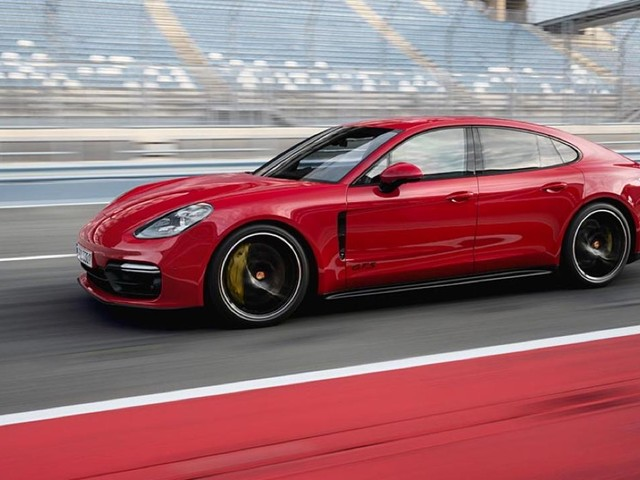 2019 Porsche Panamera GTS arrives with 453-hp