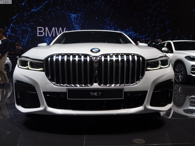 Geneva 2019: BMW 745e Facelift short wheelbase with M Sport Package