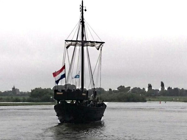 'Koopzondag in Kampen? Investeer liever in kogge'