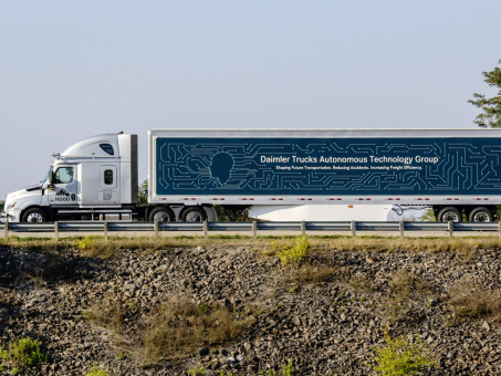 Daimler Trucks and Torc Robotics expand public road testing in the US for automated truck technology