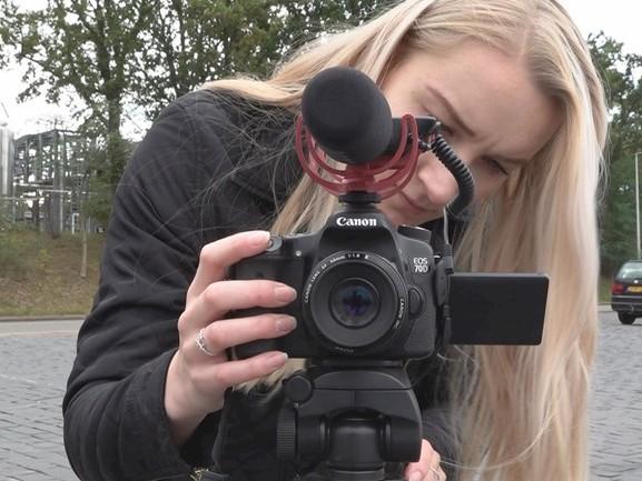Twentse YouTuber Emma wil met film stigma's psychische zorg wegnemen