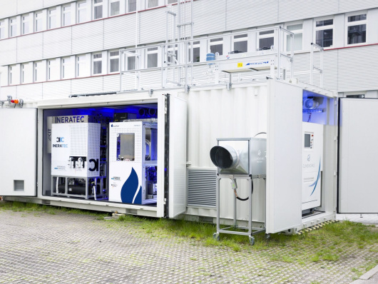 Kopernikus Project P2X integrated container-scale test facility produces first fuels from air-captured CO2 and green power