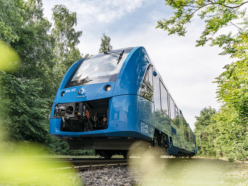 Alstom reports successful 1.5y trial operation of Coradia iLint fuel cell trains, next project phase begins