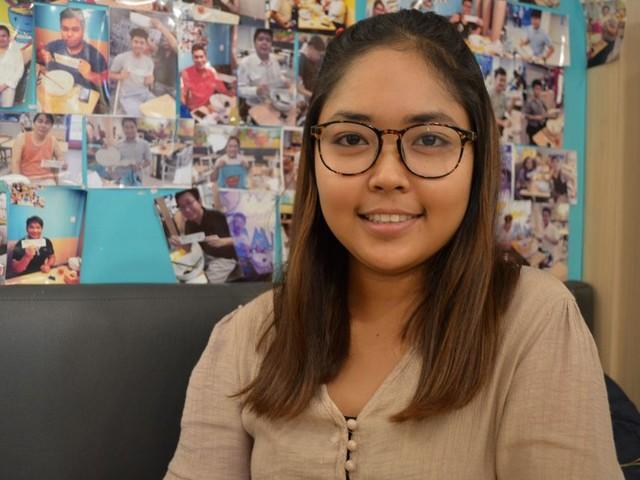 Deze Burmese activiste (26) oogt ontspannen, maar haar wacht waarschijnlijk de cel