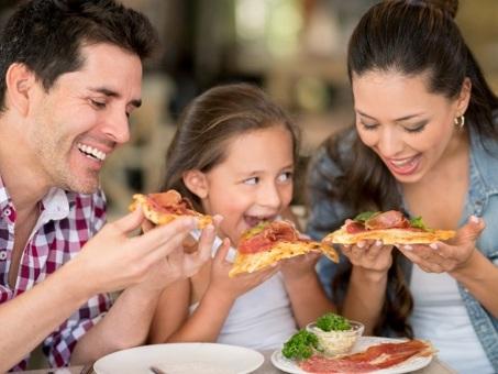 Best Money Tips: Kids Eat Free at These 50 Restaurants