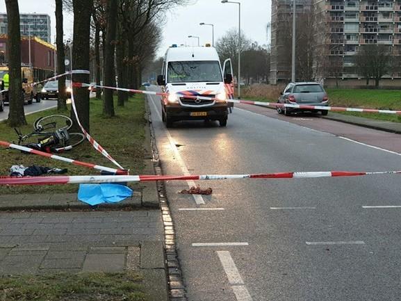 Fietser gewond bij aanrijding in Enschede, weg afgesloten