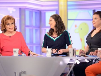 "She's A… : Meghan McCain Calls Joy Behar A ""B!tch"" On Live TV And Things Get Awkward On ""The View""[Video]"