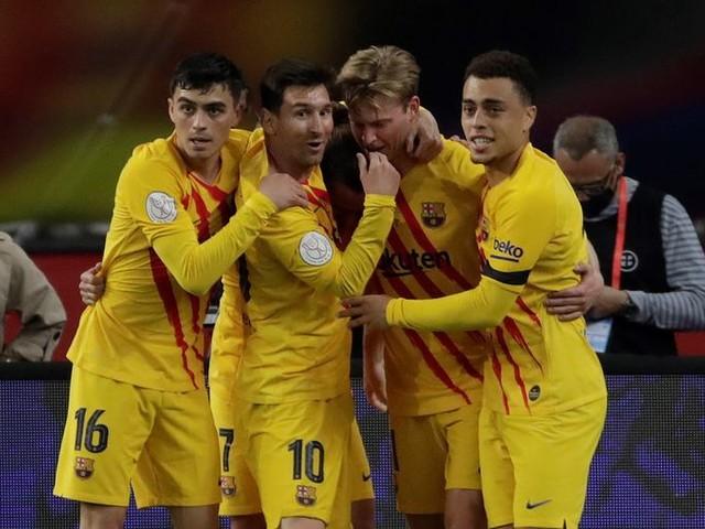 'Dartelende' Frenkie de Jong krijgt na bekerwinst van Barça een tien