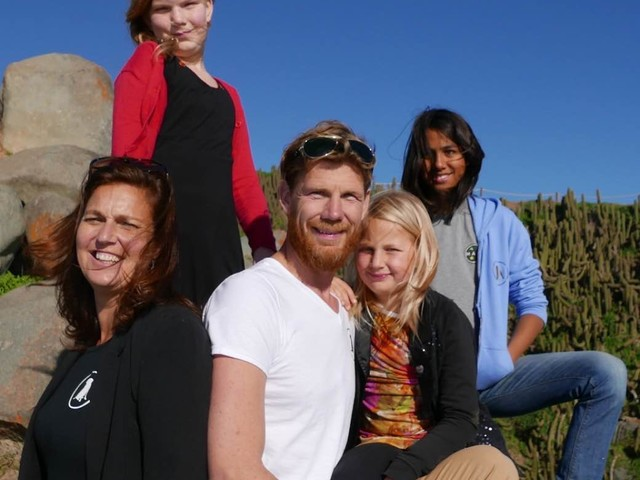 Bekend van TV – The Traveling Yoga Family, nu als boek
