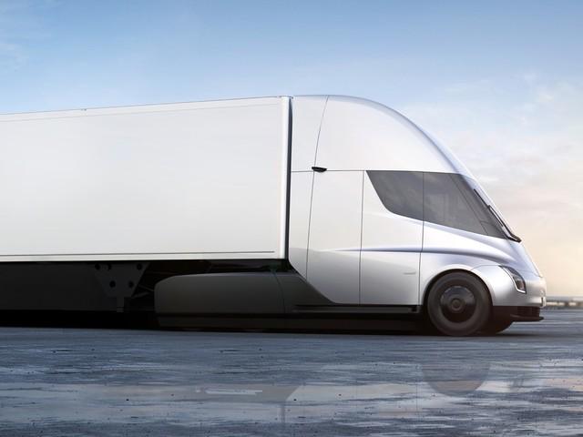 Tesla Semi starts at $150,000, requires $20k deposit