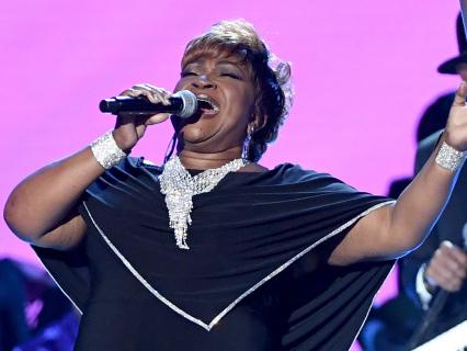 Big Bullhorn Energy: Ann Nesby Goes HONEY BAKED HAM At Soul Train Awards, Blows Church Wigs Into Space