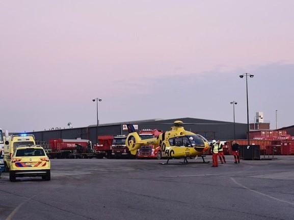 Fietser met traumahelikopter naar ziekenhuis na aanrijding met vrachtwagen in Rijssen