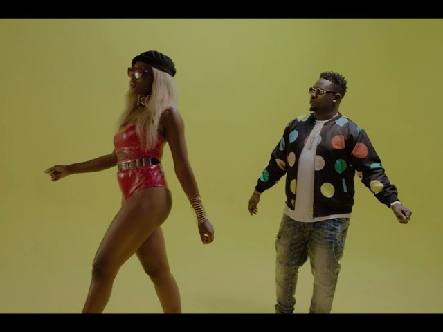 "Wande Coal ""Tur-Key Nla"" Video"