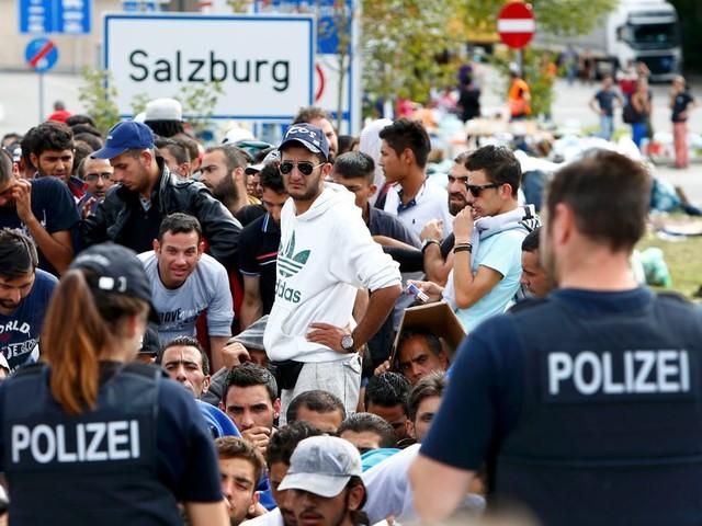 Denemarken en Oostenrijk willen asielzoekers buiten EU opvangen