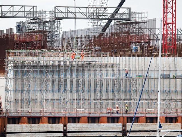 Bam zet opnieuw meer geld apart voor bouw zeesluis IJmuiden