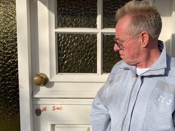 Bram werkt gewapende overvaller zijn huis uit: 'Mijn eerste reactie? Mijn vuisten gebruiken! [VIDEO]