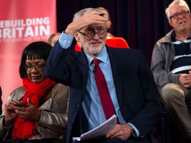 Labourleider Corbyn kan zich geen eindeloze besluiteloosheid veroorloven