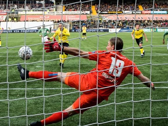 PSV kent twee gezichten in Venlo en speelt gelijk, RKC Waalwijk blijft hekkensluiter