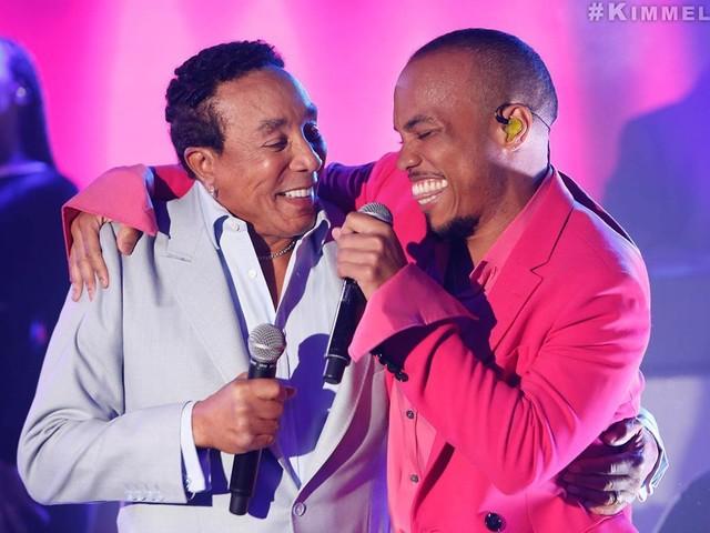 Anderson .Paak & Smokey Robinson Perform on Jimmy Kimmel Live