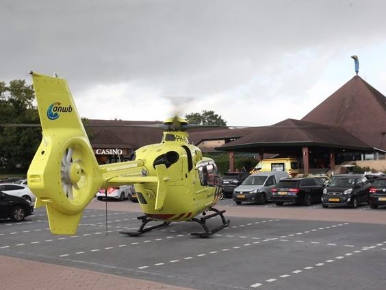 Kindje raakt onwel in hotel in Gilze, traumahelikopter brengt slachtoffer naar ziekenhuis