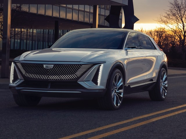 2023 Cadillac Lyriq electric crossover debuts with 300-mile range