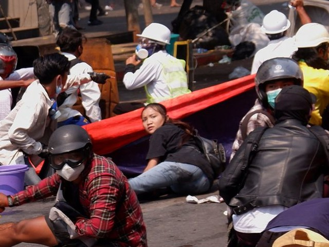 De junta in Myanmar slaat protesten met keihard geweld neer: weer burgers gedood