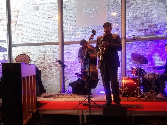 Prima Jazz Jam Sessie bij Van 't Huis door Leidse Geluiden