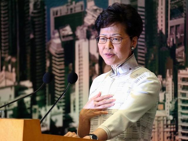 Carrie Lam lijkt de spagaat tussen Peking en Hongkong niet meer vol te houden