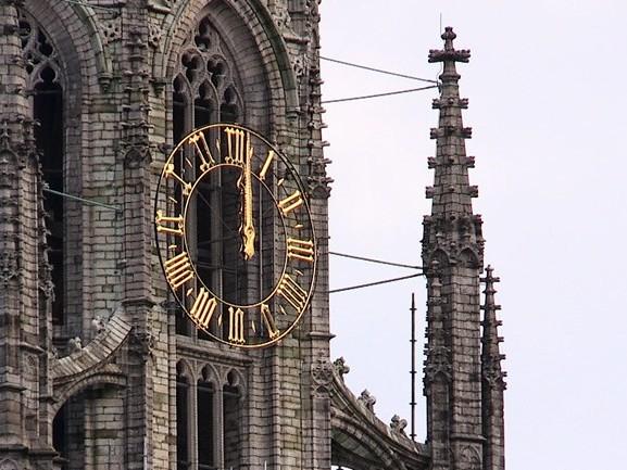 Waarom is het in Breda altijd 12 uur?