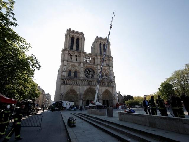 Herbouw de Notre-Dame met lef