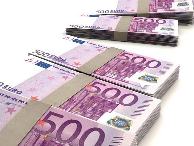 Een op vijf werkenden denkt dat (voor)liefde voor geld belangrijke voorwaarde is om bij een bank te werken