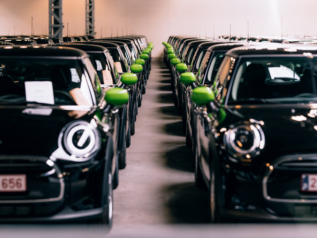 Largest MINI Cooper Electric order delivered in Europe: 140 units